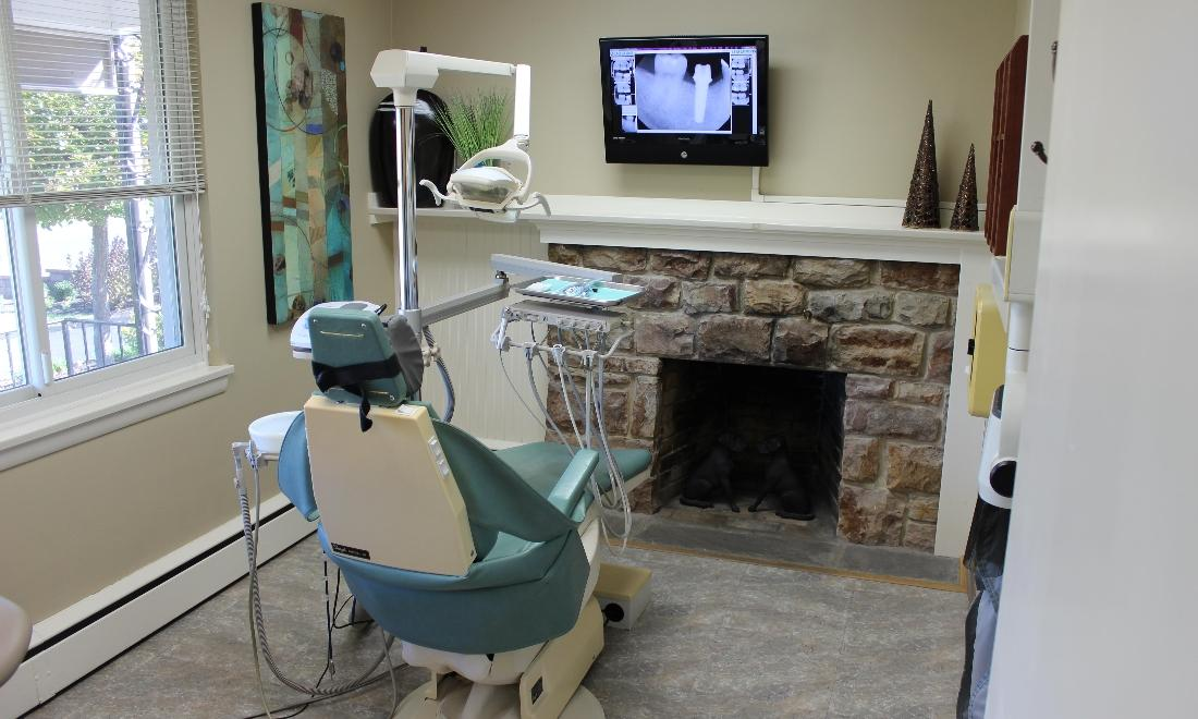 Picture of the operatory at Wesley R. Davis, DDS | Hershey PA